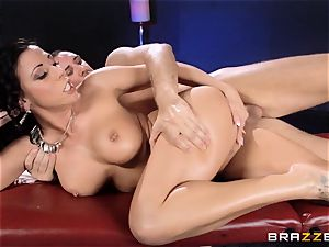 Rachel Starr likes some oily fun in front of her husband