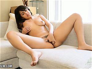 Sophia Leone wanks her super-hot little gash