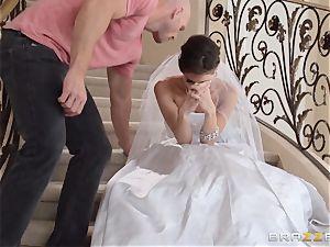 Jenni Lee plumbing her wedding cameraman