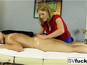 Sarah Vandella lesbo massage