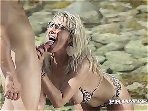 mummy Lana Vegas Takes a Mediterranean tearing up