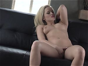 Alexis Texas enjoys thumping her frigs in and out of her slimy fuckbox
