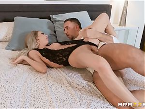 Aiden Ashley spitting on a phat rod