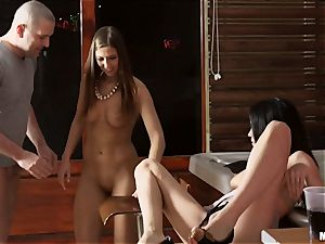 Aida mouth-watering and Lexi Leigh scorching tub penetrate