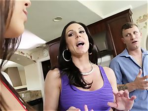 porn 3some with kinky mature housewife Kendra zeal