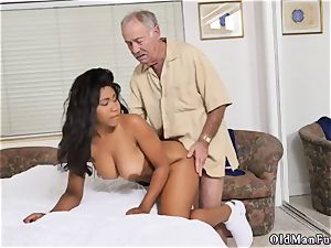 amateur she wants to try ass-fuck Glenn finishes the job!