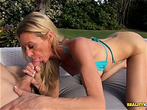 Ceira Roberts cunt humped by the poolside