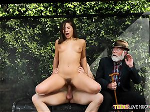 funny situation of twat wedged daughter and her grandfather witnesses at bus stop - Abella Danger and Bill Bailey