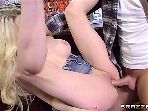 brit blonde bombshell Tamara mercy riding Keiran Lee