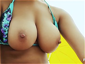 ass-fuck 3some on the beach