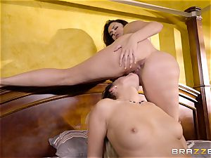 Allie Haze tribbing her hot pal