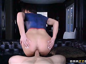 Frustrated Jennifer milky rides Bill Bailey for a super-hot facial