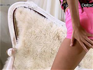 molten getting off In pink panties