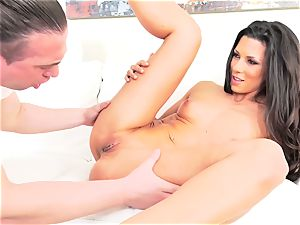 scorching Spanish mummy Alexa Tomas giving a blow-job
