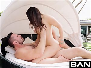 boink hardcore: Valentina Nappi Gets strenuous anal plumbing