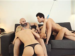LOS CONSOLADORES - scorching swinger 4some with steamy babes