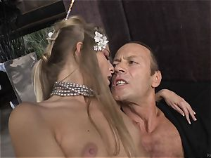 Cayenne Klein and her acquaintance plowed by Rocco Siffredi