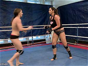 Eliska Cross and Lisa shine have a super hot cat fight