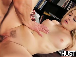 naughty Alexis Texas jerks all the cum from her accomplice