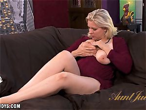 Zoey Tyler tells you about how she wants to shag
