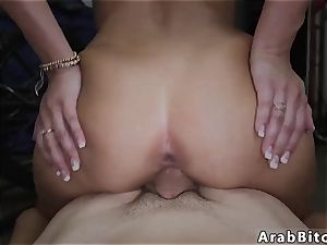 Public pay cash and arab duo first time Desert fuckbox