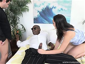 Paisley Parker Gets black beef whistle and husband eats Up spunk