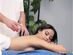 voluptuous massage turns into a sensual smash
