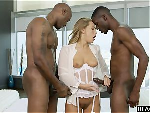 interracial 3some. white female luvs black hard-ons