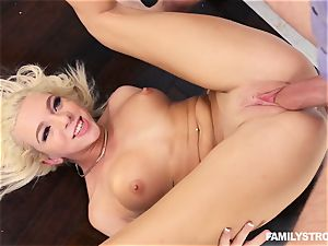 blond ultra-cutie Tiffany Watson screwed rigid
