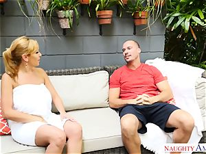 Sean Lawless finds red-hot milf nude in the garden