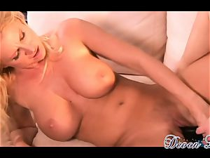Devon Lee and sizzling honey pulverize with long dildo
