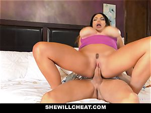 SheWillCheat - Mature wife Gets Her honeypot Piped