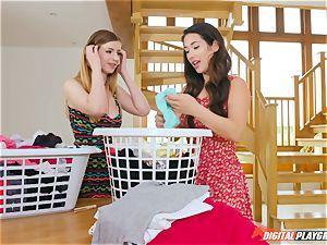honeypot rubbing super-cute Eva Lovia and Stella Cox messing in the laundry