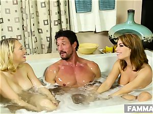 Stepsisters make an FFM session with one fortunate guy