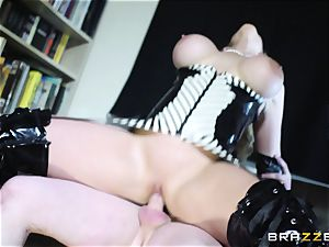 sex sub pounds his mature domme ample culo
