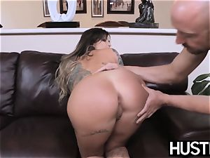 tattooed and big-titted Payton Sinclaire fed jism after banging